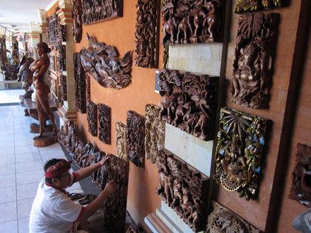 マス村の木彫りギャラリーが素晴らしかった! MANIS Art Shop