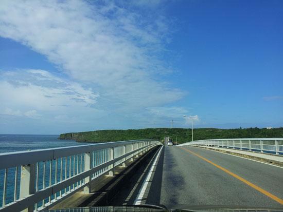 【宮古島】絶景マリンブルー!宮古島~来間島間を結ぶ、来間大橋(くりまおおはし)
