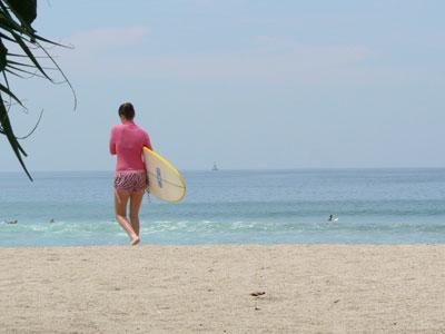 チャングーでサーフィン見学