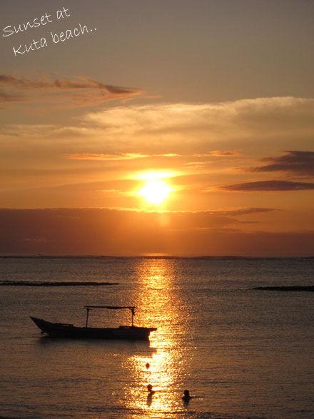 クタの夕日 photo