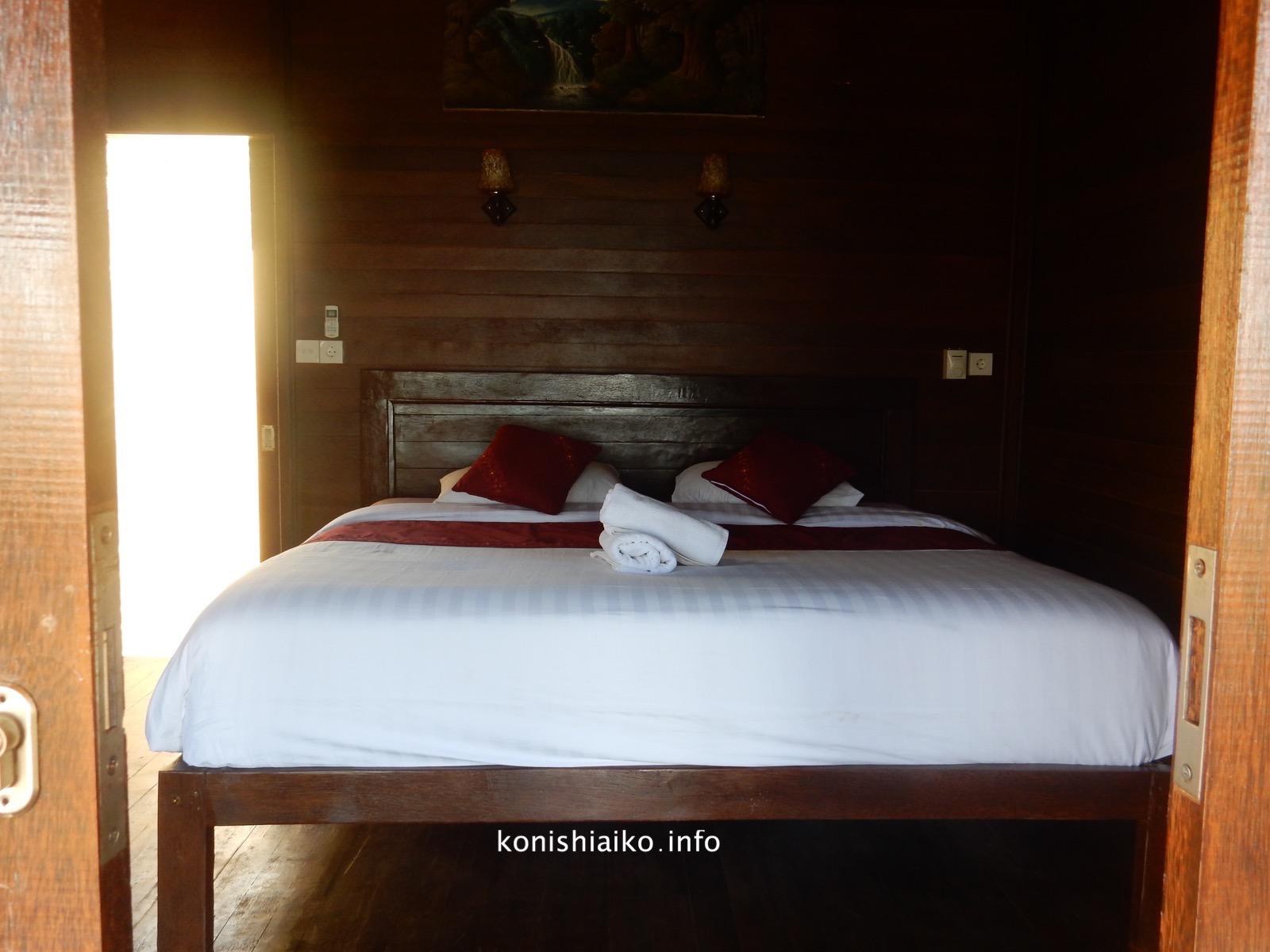 バンガローのベッド