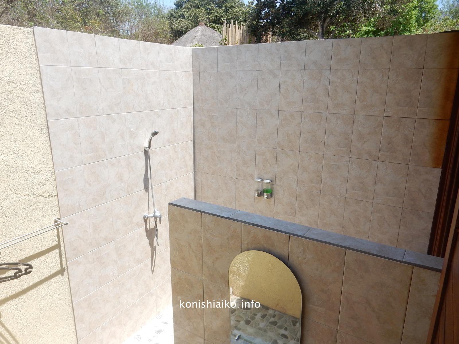 アウトドアシャワー&トイレ