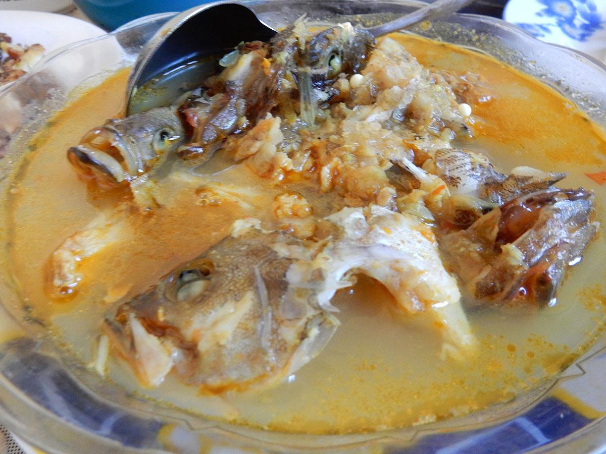 魚の頭スープ