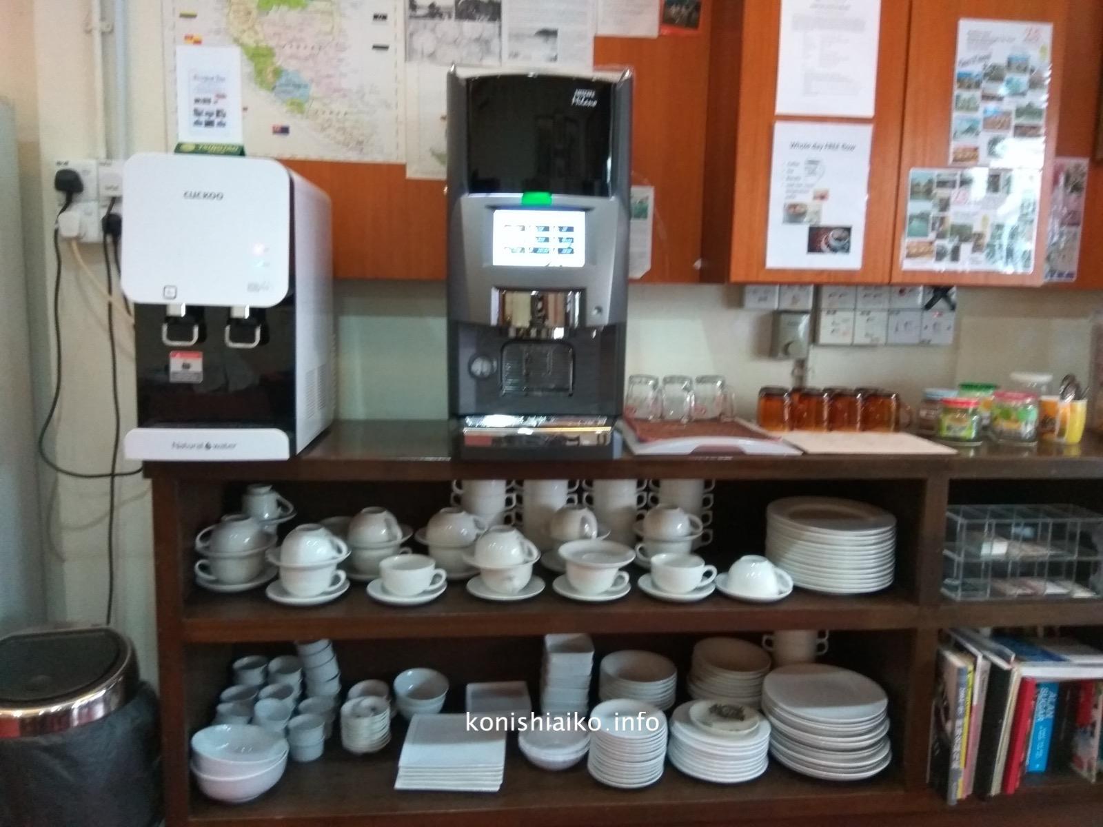 ロビーにあるコーヒーマシンは24時間使える