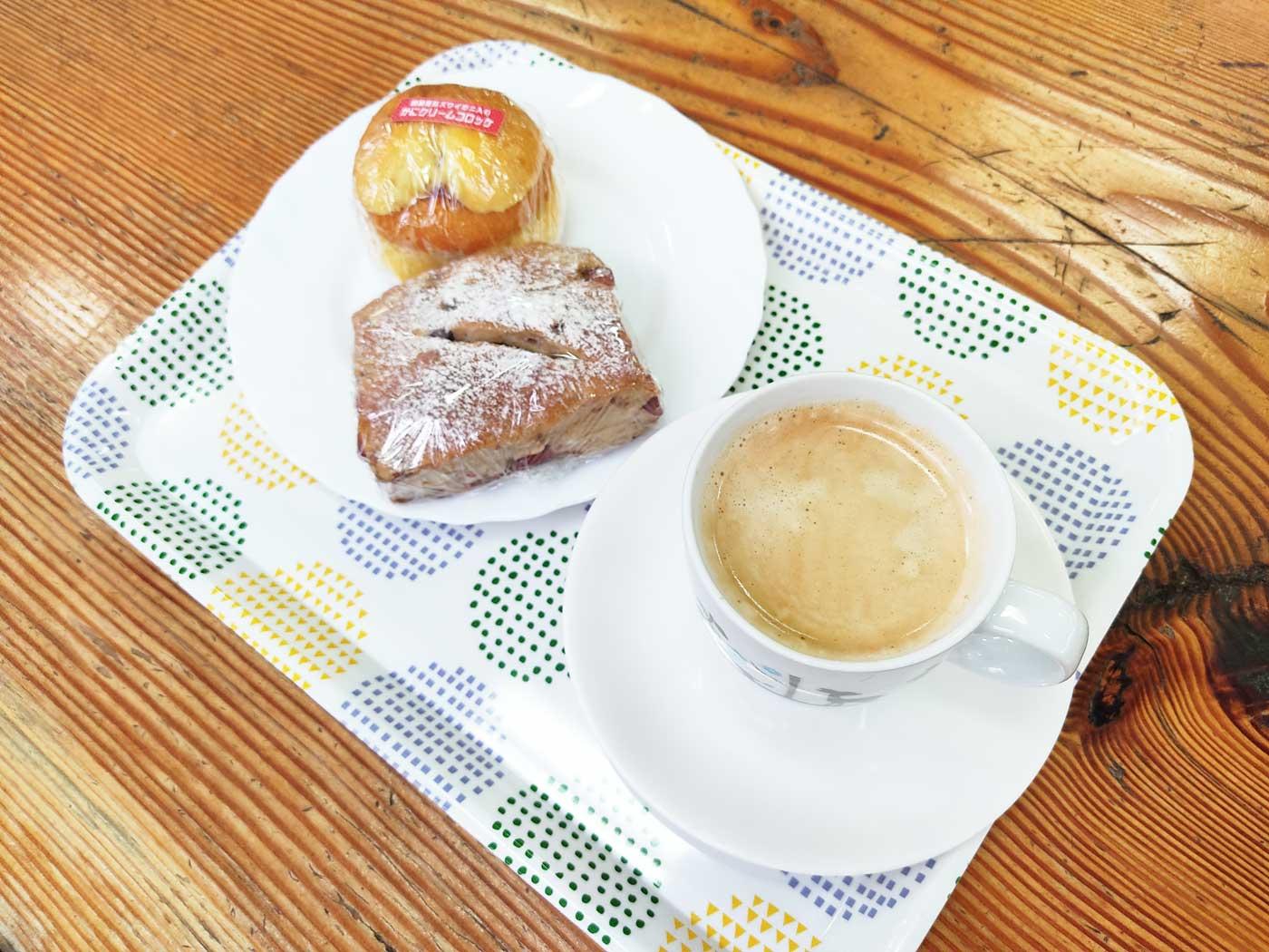 パンとコーヒーのセット