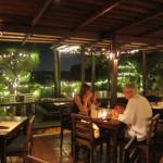 バリ島グルメ: ペペネロレストランで白ワイン2本