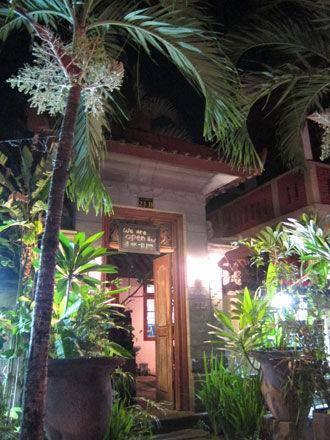 バリ島グルメ: ジンバランの2強ワルン!! ワルンマリーナ