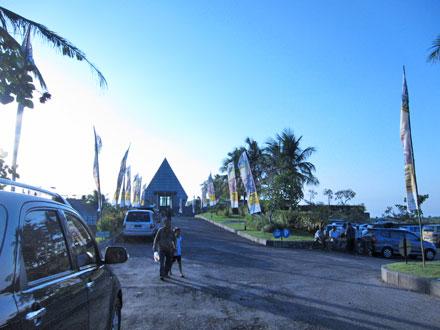 バリ島グルメ: 海×プールの絶景レストラン クラパ(KLAPA)