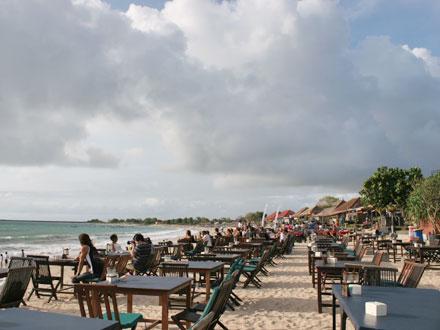 バリ島ジンバランビーチ