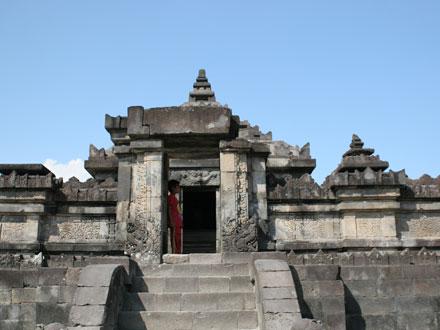 ジョグジャ・サンビサリ寺院