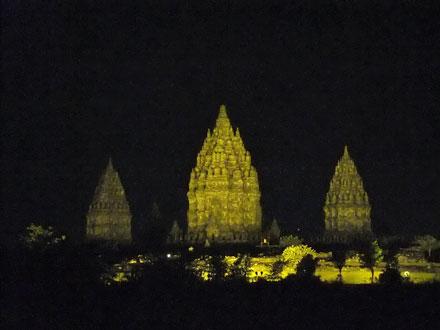 夜のプランバナン寺院