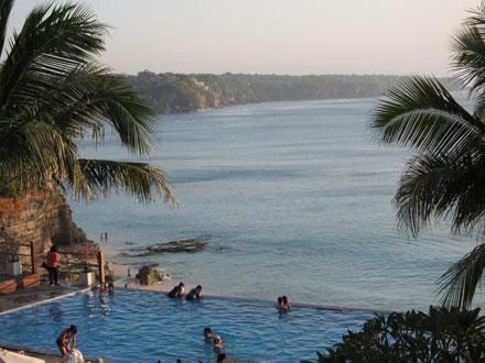 バリ島クラパのプール