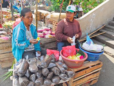 バドゥン市場1