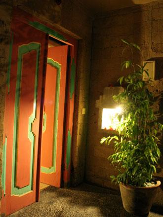 スカールヌサ・ジャグジーヴィラ入口