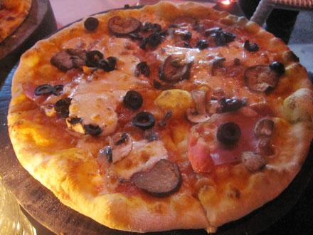 チェイサーズのピザ