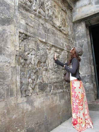 ジョグジャ・ムンドッ寺院の壁画