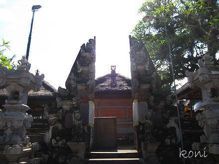 バリ島クボエダン寺院-(2)