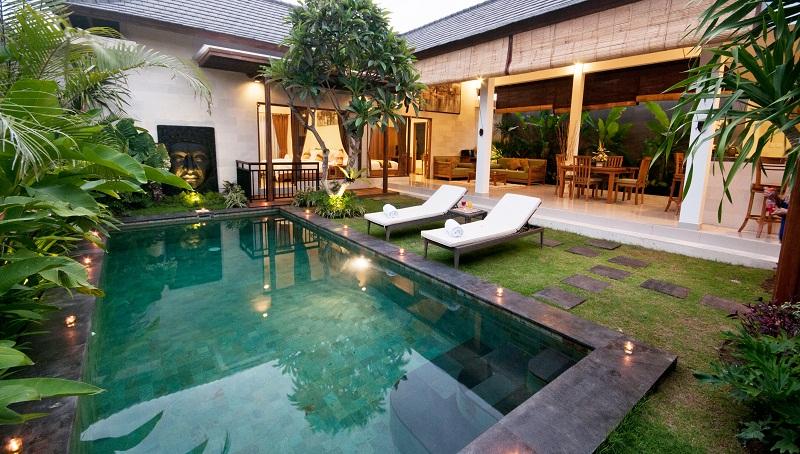 友人のヴィラ宣伝 スミニャックの Sandi Agung Villa 24000円
